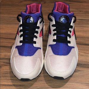 Nike Huarache Run Desert Sand Persian Violet